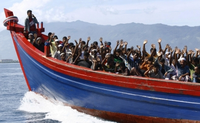 Migrants on boat Taormina