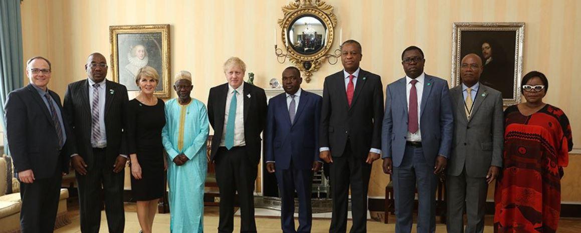 UK suggests Zimbabwe return to Commonwealth