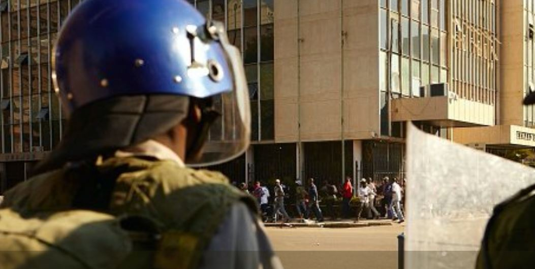 EU condemns violence against Zimbabwe opposition